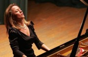 The Decisive Tone of Anika Vavic, from Bach to Ravel